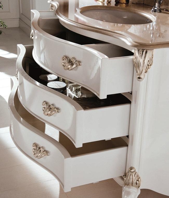 Gaia Mobili - complementi - Luxury - mobili - Julien - Mobile in Finitura Laccato Lucido RAL 9003 e Foglia Argento Anticato