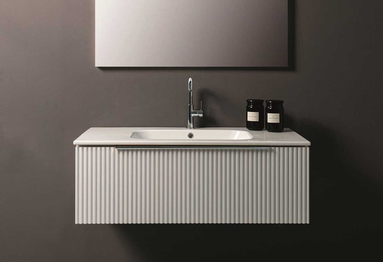 arredare il bagno con un mobile sospeso laccato opaco stile contemporaneo
