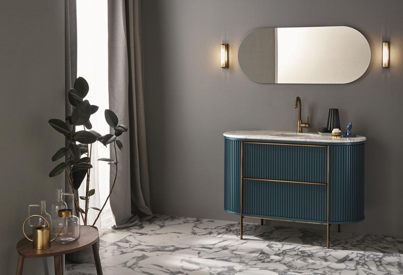 mobile per il bagno Ellittica in legno con piano in marmodi carrara e lavandino in ceramica